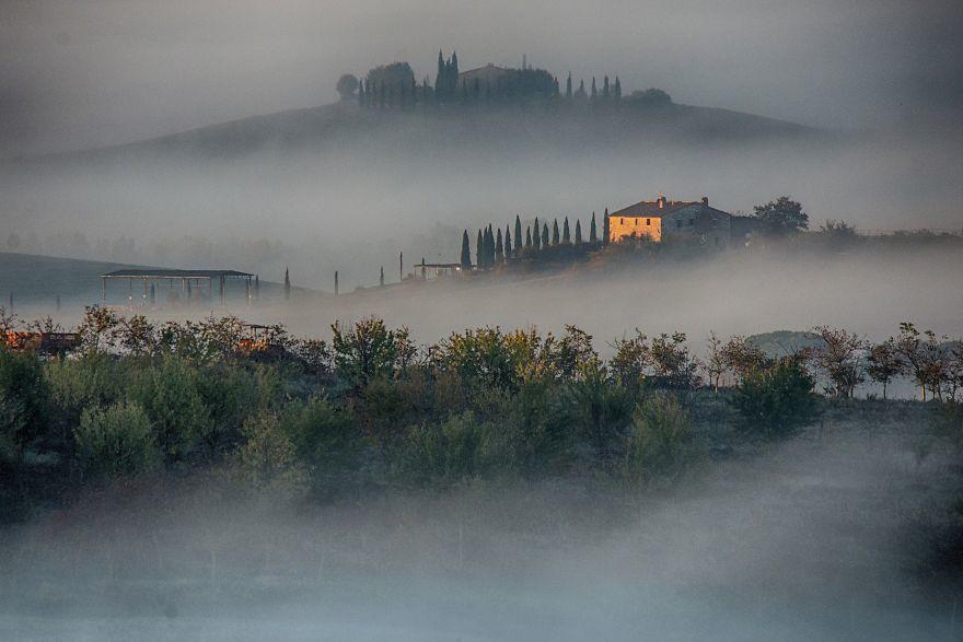 清晨时的托斯卡纳 洒满晨光的暮光之城